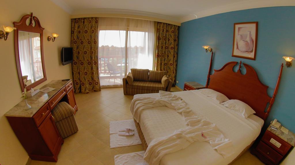 فندق تيتانك بيتش