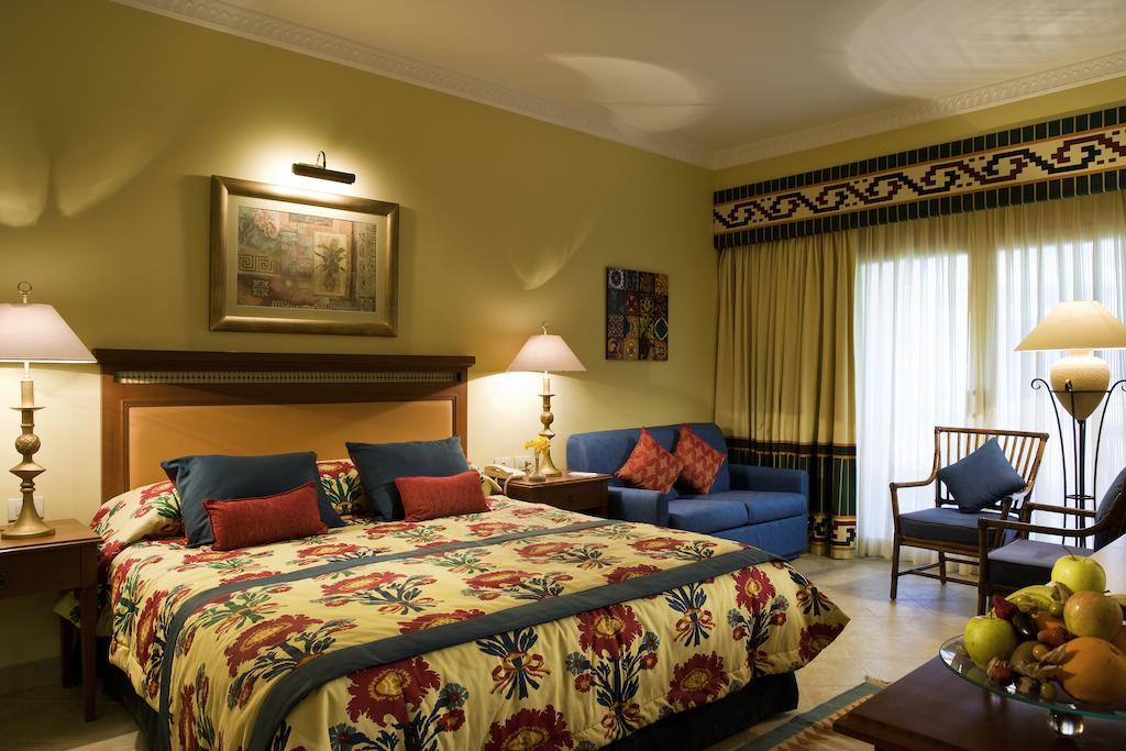 غرف فندق سوفيتيل طابا