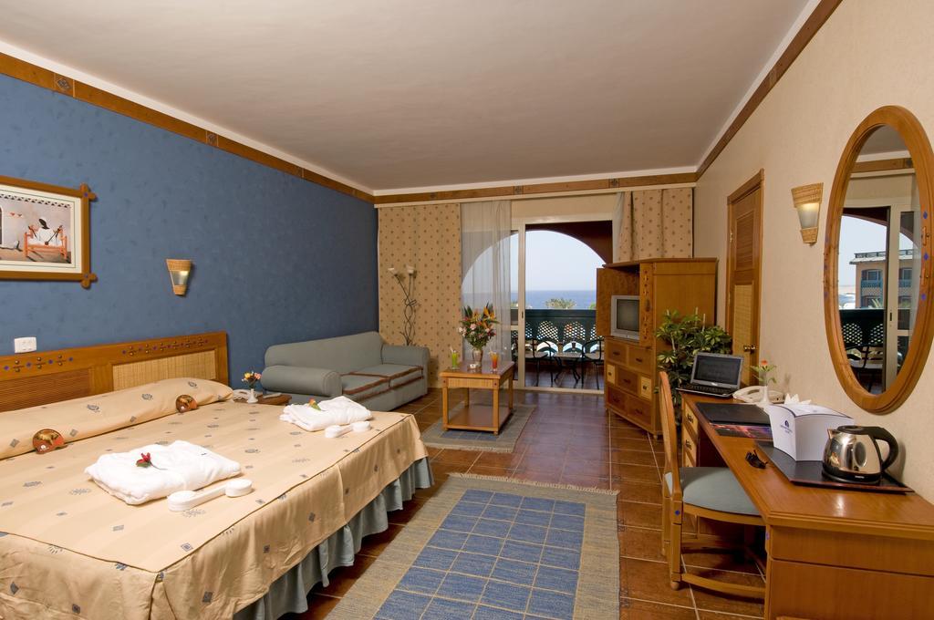 غرف فندق دريمز بيتش مرسى علم