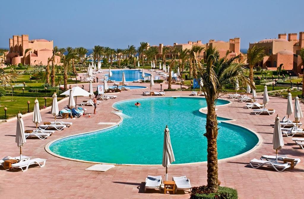 حمامات سباحة فندق اكاسيا بيتش مرسى علم