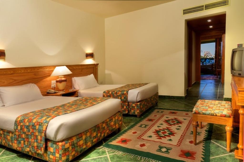 غرف فندق كلوب كاليميرا اكاسيا سويس ريزورت