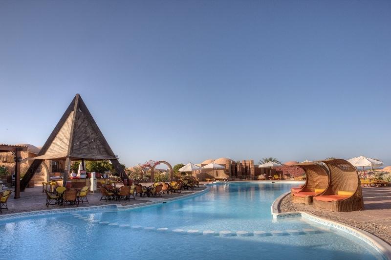 حمام سباحة فندق كاليميرا حبيبة بيتش مرسي علم