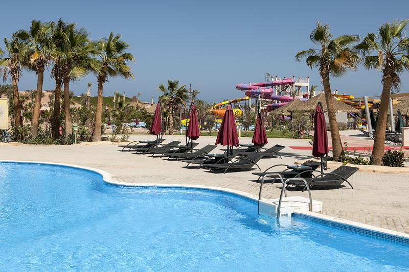 حمام سباحة فندق سنتيدو كهرمانة بيتش ريزورت