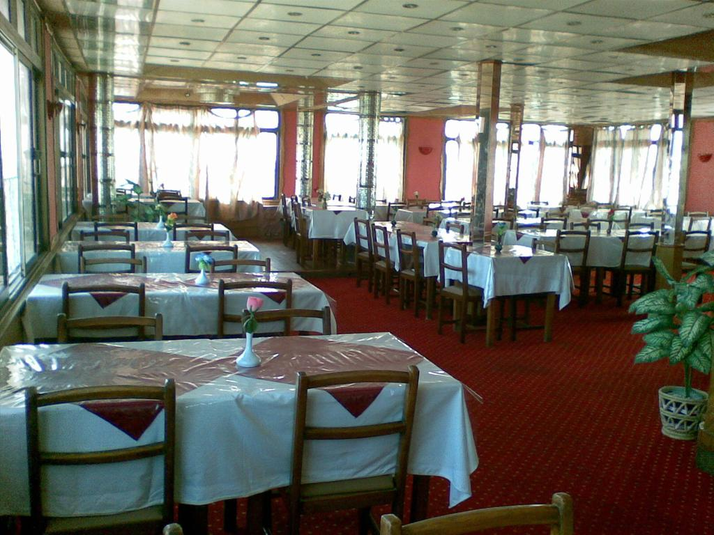 مطعم فندق ادرياتيكا مرسى مطروح