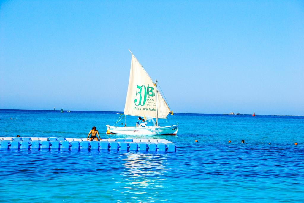 شاطئ فندق البوسيت بل فيو مرسى مطروح