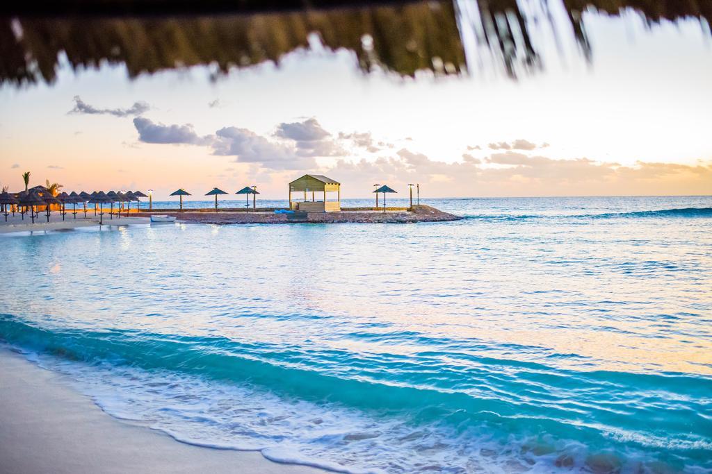 شاطئ فندق كارولز بوريفاج مطروح