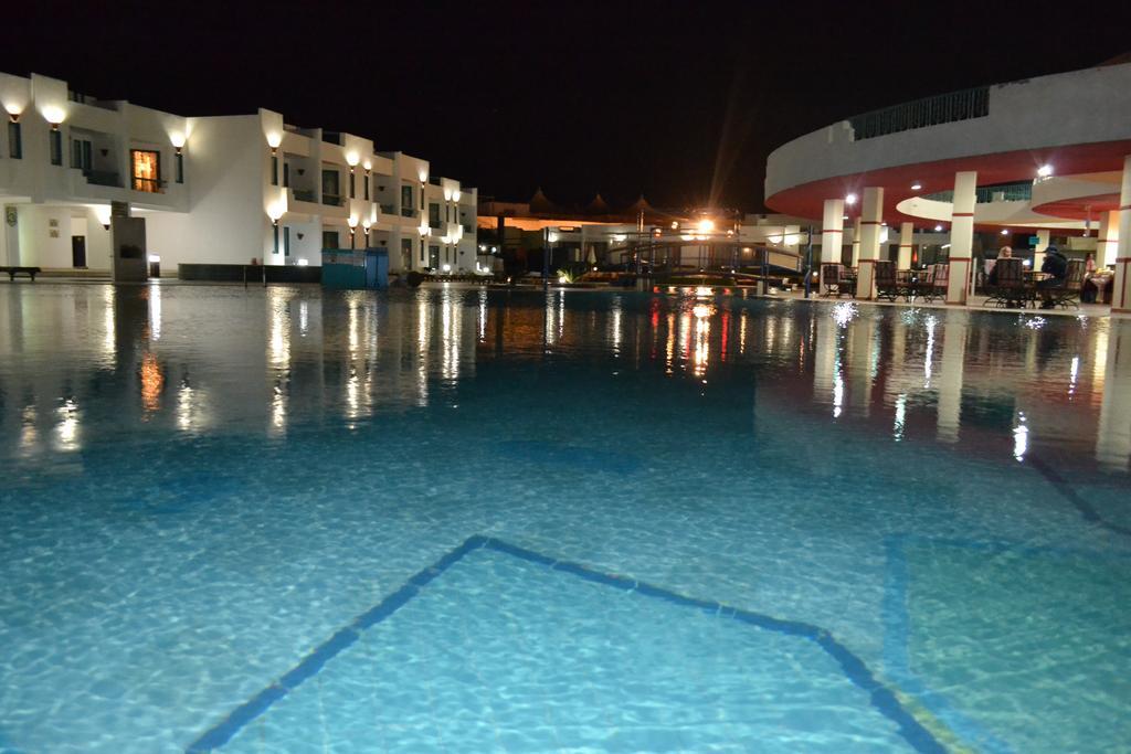فندق هوليداي شرم ريزورت 4 نجوم