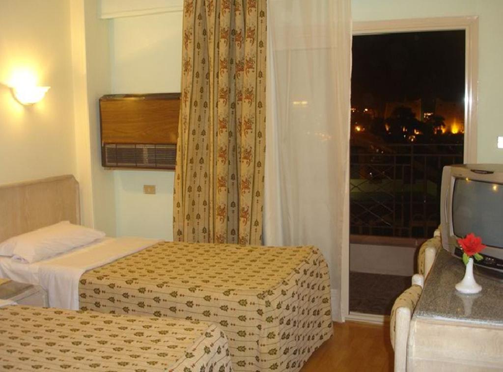 فندق اميليو الأقصر 3 نجوم