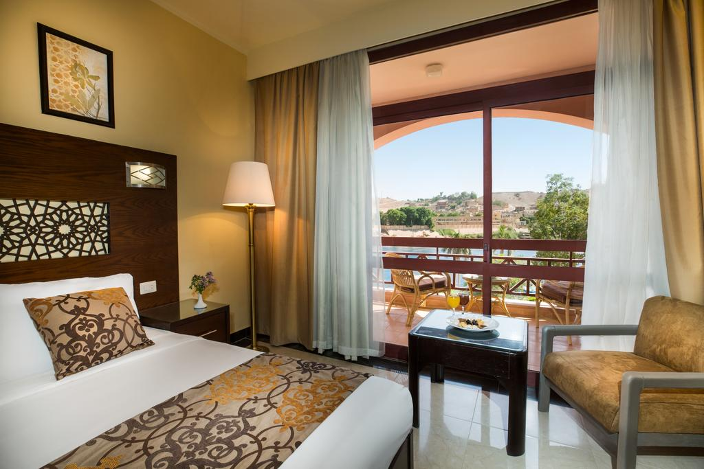 رحلات اسوان والنوبة فندق بيرميزا ايزيس ايلاند ريزورت اند سبا اسوان 5 نجوم