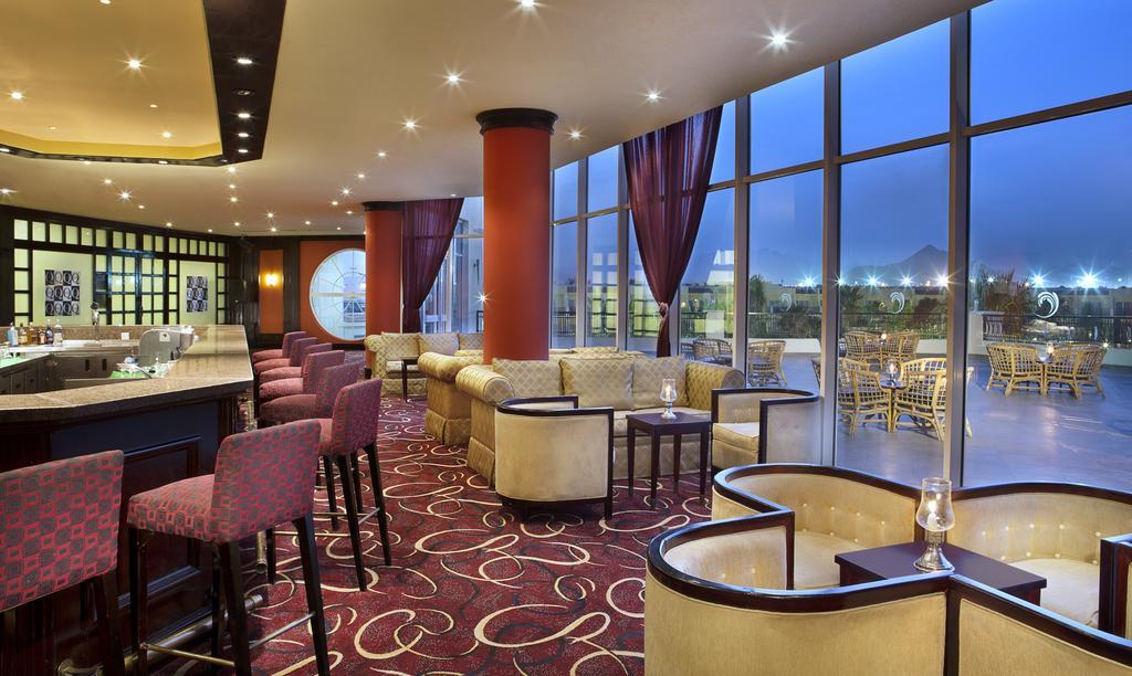 فندق هيلتون شاركس باي ريزورت 5 نجوم