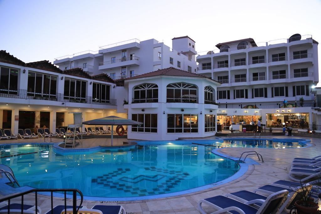 فندق مينا مارك بيتش ريزورت الغردقة 4 نجوم