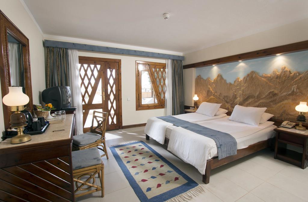 فندق سويس ان ريزورت دهب 4 نجوم