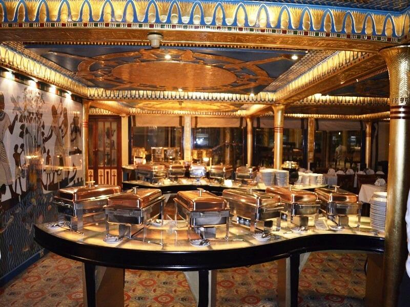 سهرة عشاء - مركب فرعون النيل