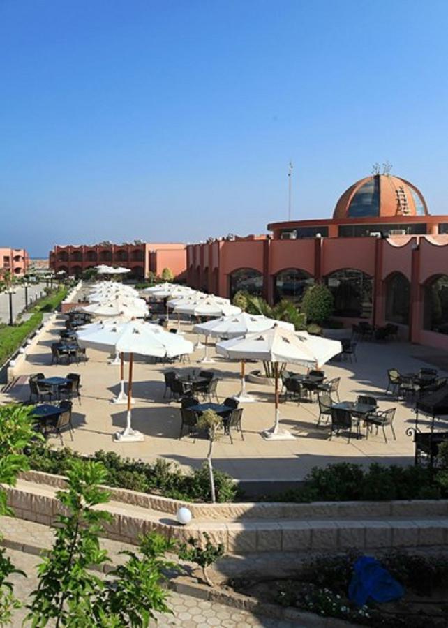 ثرى كورنرز هابي لايف بيتش مرسي علم 4 نجوم
